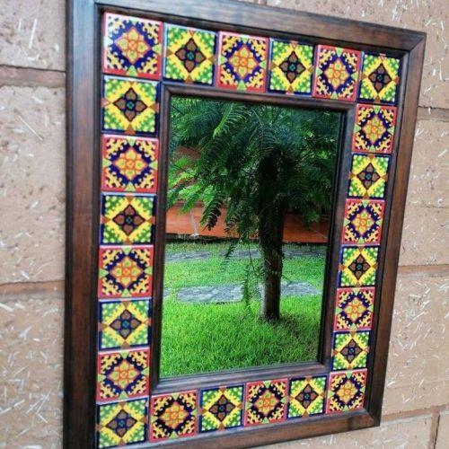 Espejo Marco de madera con azulejo